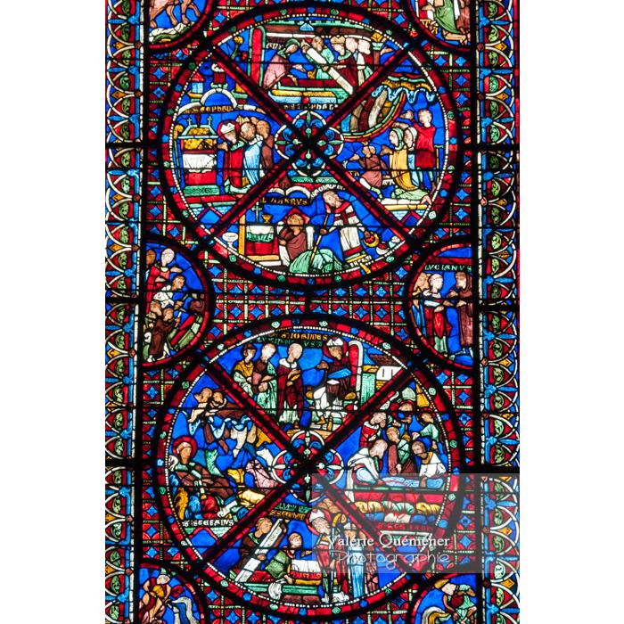 Détail d'un vitrail de la cathédrale Saint-Étienne de Bourges / Cher - Réf : VQFR18-0002 (Q2)