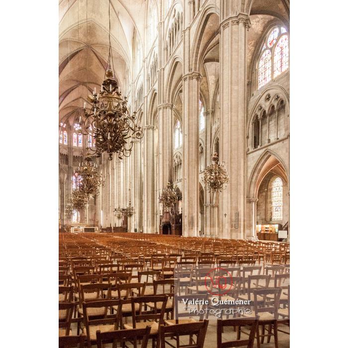 Nef de la cathédrale Saint-Étienne de Bourges / Cher - Réf : VQFR18-0005 (Q2)