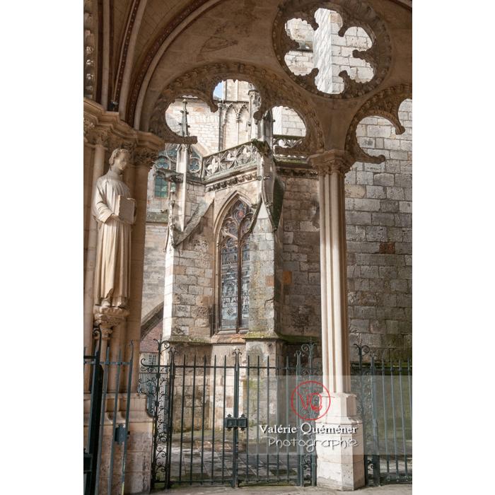 Détail d'un porche de la cathédrale Saint-Étienne de Bourges / Cher - Réf : VQFR18-0008 (Q2)