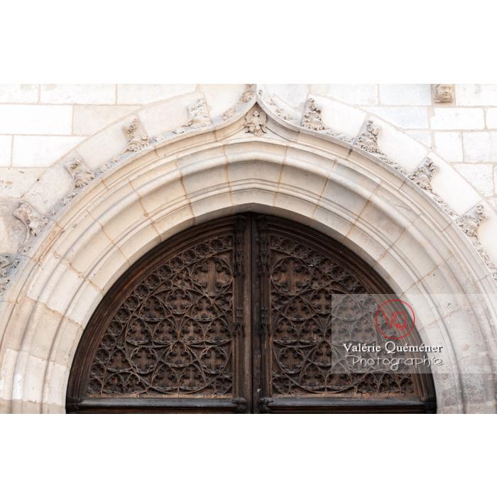 Détail porte extérieur du palais Jacques-Cœur à Bourges / Cher - Réf : VQFR18-0023 (Q2)