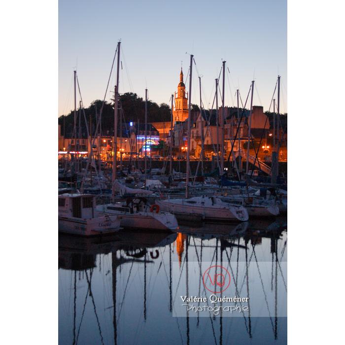 Port de Binic au crépuscule / Côtes d'Armor / Bretagne - Réf : VQFR22-0155 (Q1)