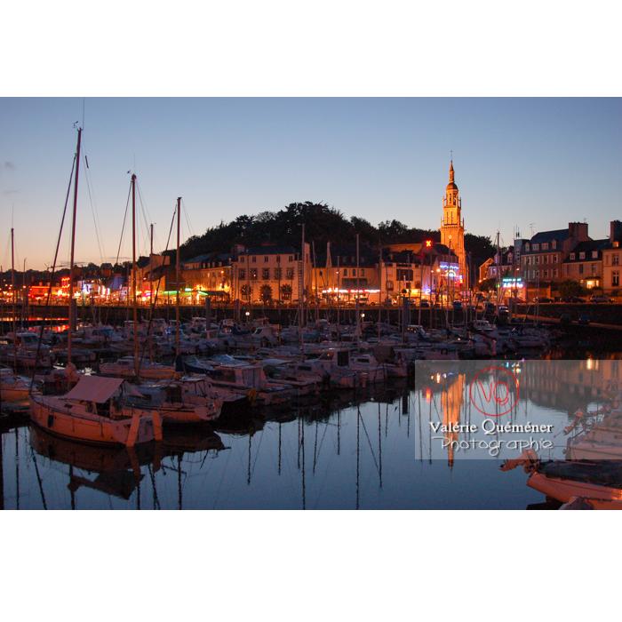 Port de Binic à la tombée du jour / Côtes d'Armor / Bretagne - Réf : VQFR22-0157 (Q1)