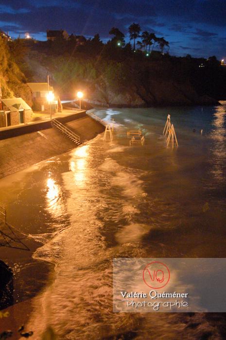 Plage de Binic de nuit / Côtes d'Armor / Bretagne - Réf : VQFR22-0185 (Q1)