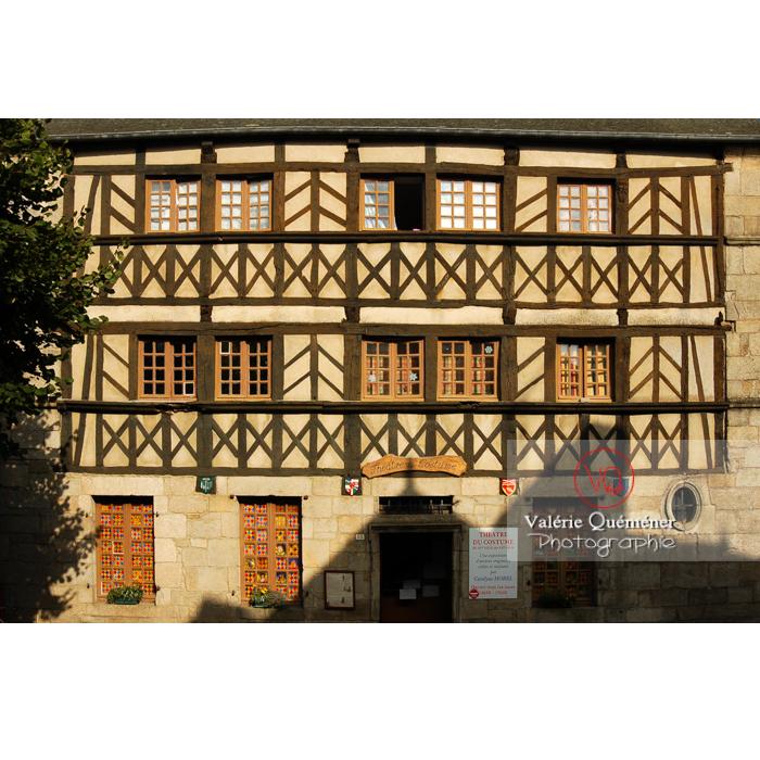 Maison du costume à colombage à Moncontour / Côtes d'Armor / Bretagne - Réf : VQFR22-0237 (Q1)