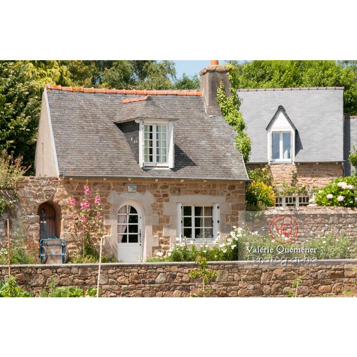 Maisons en pierre sur l'île de Bréhat / Côtes d'Armor / Bretagne - Réf : VQFR22-0405 (Q2)