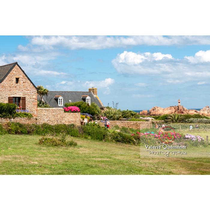 Maisons en pierre sur l'île de Bréhat / Côtes d'Armor / Bretagne - Réf : VQFR22-0410 (Q2)
