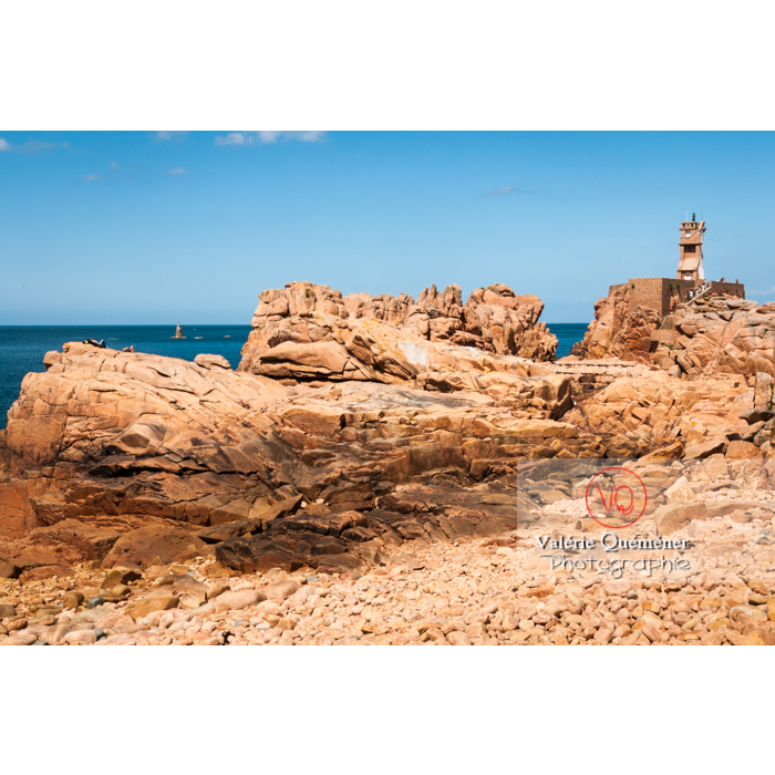 Phare du Paon sur l'île de Bréhat / Côtes d'Armor / Bretagne - Réf : VQFR22-0415 (Q2)