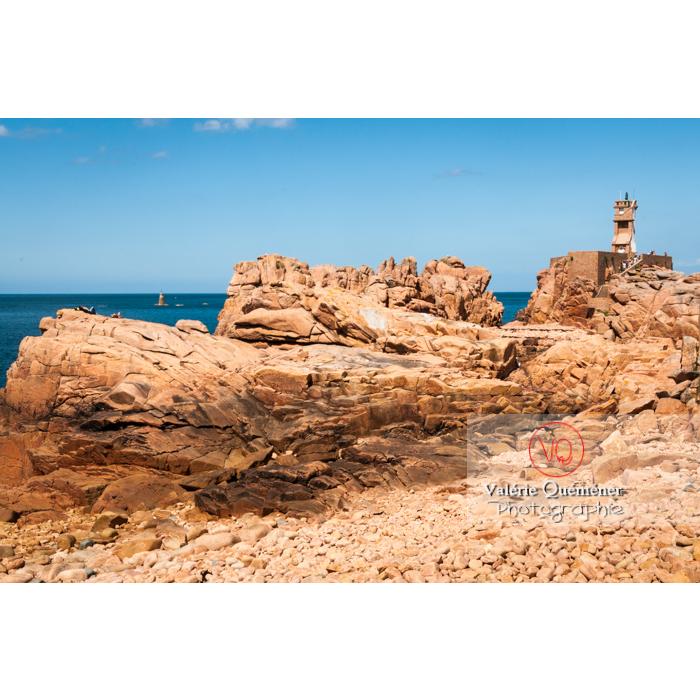 Phare de Paon sur l'île de Bréhat / Côtes d'Armor / Bretagne - Réf : VQFR22-0415 (Q2)