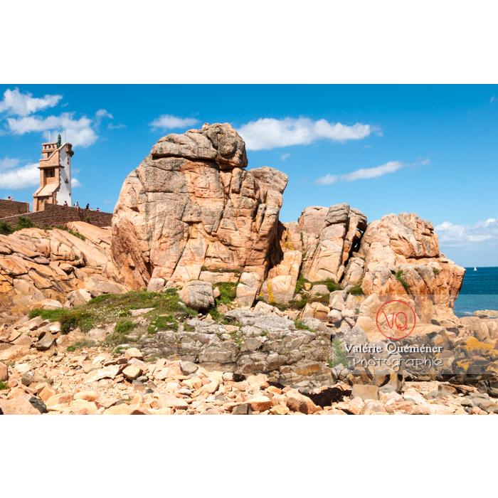 Phare du Paon sur l'île de Bréhat / Côtes d'Armor / Bretagne - Réf : VQFR22-0418 (Q2)