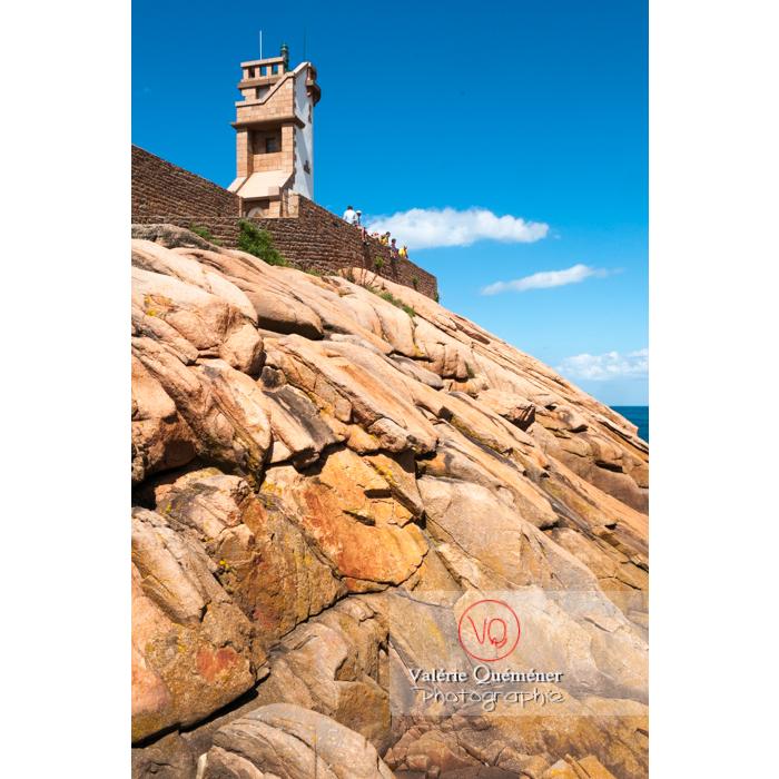 Phare du Paon sur l'île de Bréhat / Côtes d'Armor / Bretagne - Réf : VQFR22-0420 (Q2)
