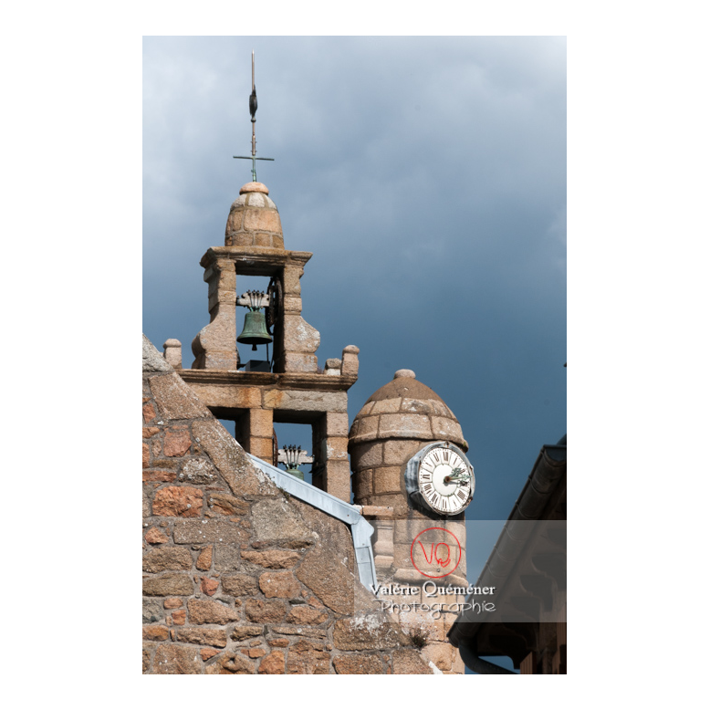 Clocher de l'église de l'île de Bréhat / Côtes d'Armor / Bretagne - Réf : VQFR22-0426 (Q2)
