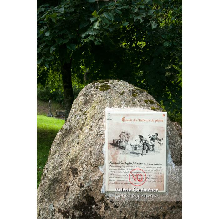 Fontaine des 7 saints à Bulat-Pestivien / Côtes d'Armor / Bretagne - Réf : VQFR22-0466 (Q2)