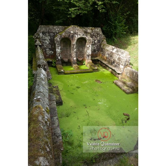 Fontaine des 7 saints à Bulat-Pestivien / Côtes d'Armor / Bretagne - Réf : VQFR22-0469 (Q2)