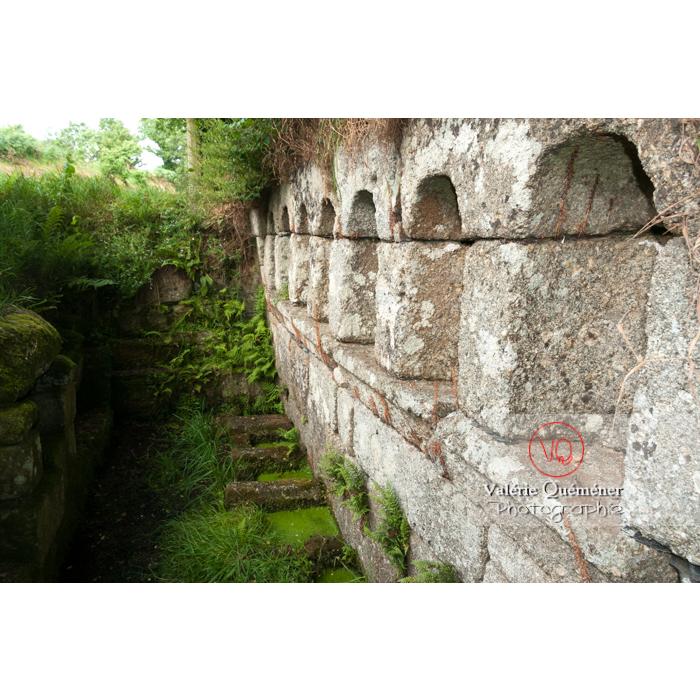 Fontaine des 7 saints à Bulat-Pestivien / Côtes d'Armor / Bretagne - Réf : VQFR22-0475 (Q2)