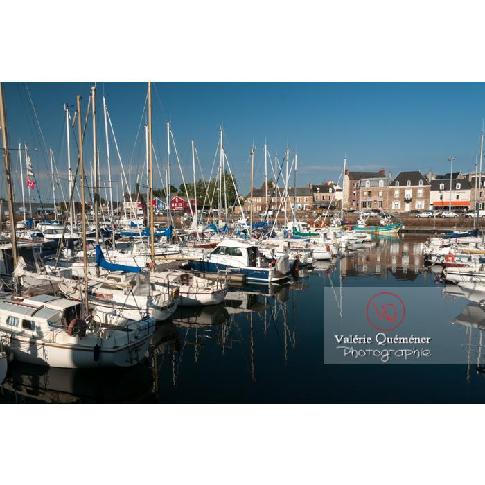 Port de Paimpol / Côtes d'Armor / Bretagne - Réf : VQFR22-0925 (Q2)
