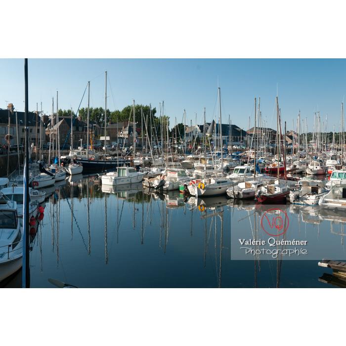 Port de Paimpol / Côtes d'Armor / Bretagne - Réf : VQFR22-0930 (Q2)