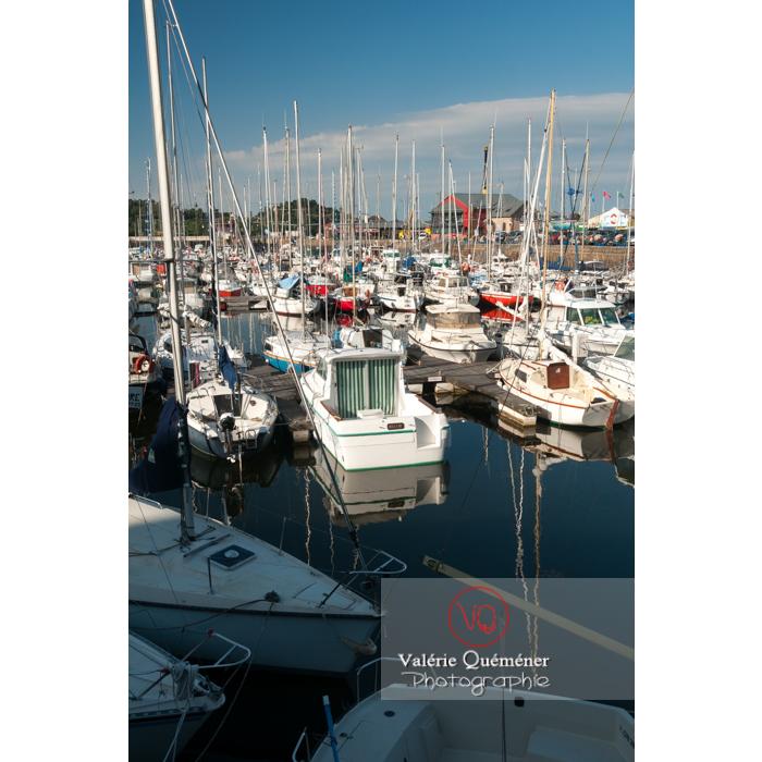 Port de Paimpol / Côtes d'Armor / Bretagne - Réf : VQFR22-0931 (Q2)