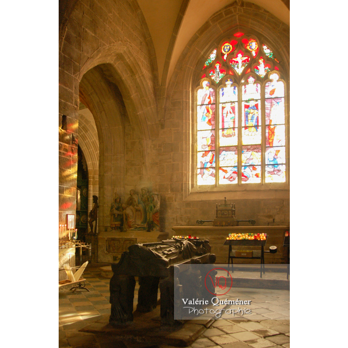 Tombeau de Saint-Ronan dans l'église Saint-Ronan à Locronan / Finistère / Bretagne - Réf : VQFR29-0187 (Q1)