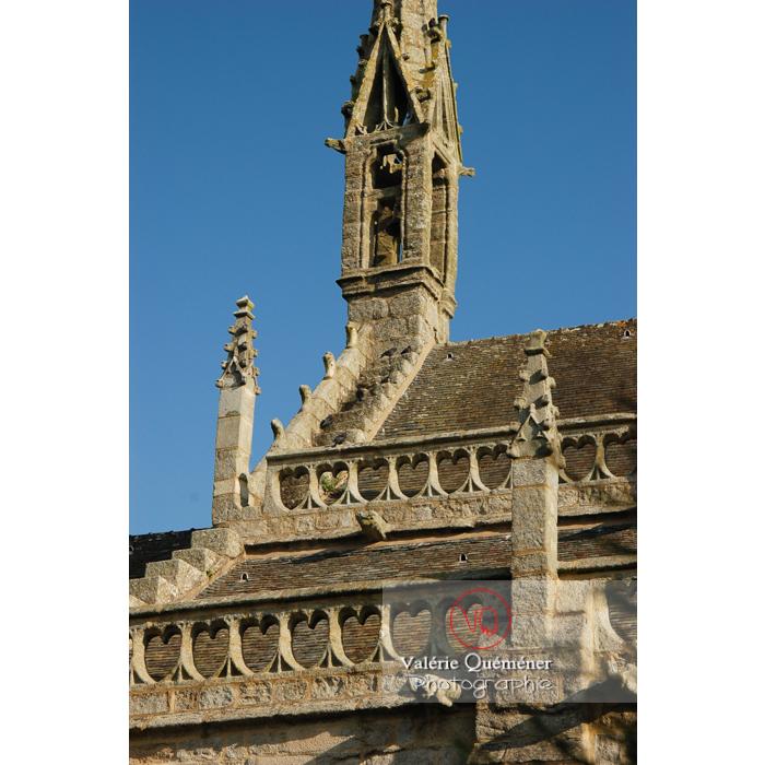 Détail toiture de l'église Saint-Ronan à Locronan / Finistère / Bretagne - Réf : VQFR29-0190 (Q1)