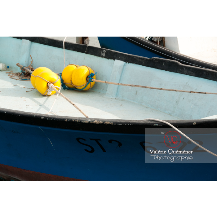 Flotteur dans un bateau au port du Grau-du-Roi / Gard / Occitanie - Réf : VQFR30-0030 (Q2)