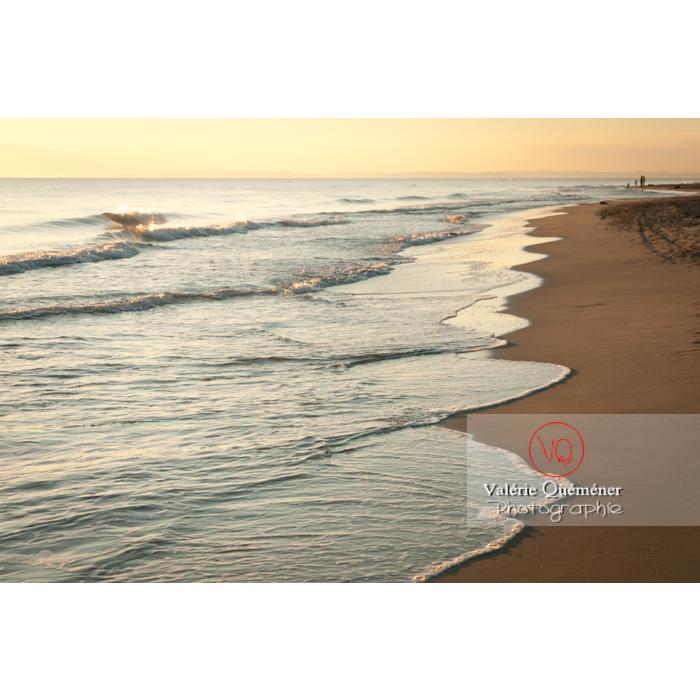 Plage de l'Espiguette au coucher du soleil, petite camargue / Gard / Occitanie - Réf : VQFR30-0088 (Q2)