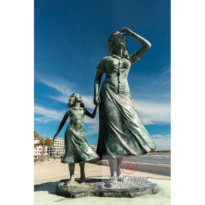 Sculpture l'espérance d'Ali Salem sur le port du Grau-du-Roi / Gard / Occitanie - Réf : VQFR30-0283 (Q3)