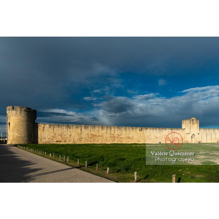 Remparts de la ville fortifiée d'Aigues-Mortes / Gard / Occitanie - Réf : VQFR30-0294 (Q3)