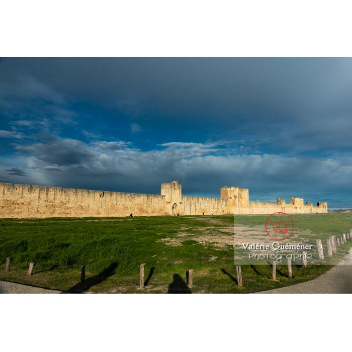 Remparts de la ville fortifiée d'Aigues-Mortes / Gard / Occitanie - Réf : VQFR30-0296 (Q3)