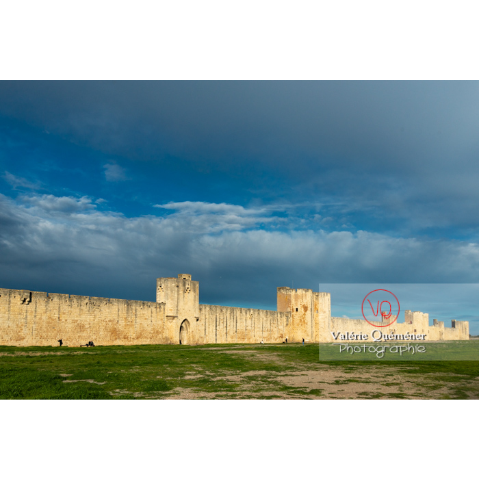 Remparts de la ville fortifiée d'Aigues-Mortes / Gard / Occitanie - Réf : VQFR30-0298 (Q3)