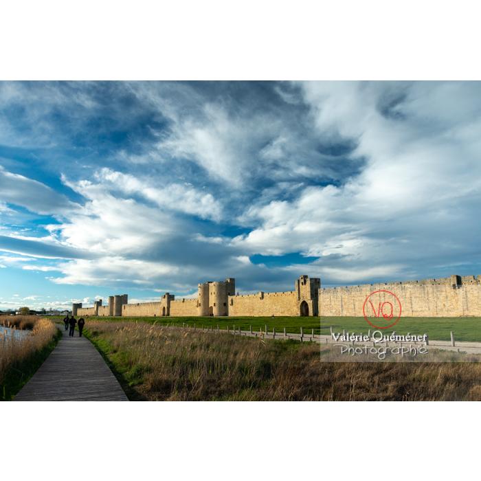 Remparts de la ville fortifiée d'Aigues-Mortes / Gard / Occitanie - Réf : VQFR30-0303 (Q3)
