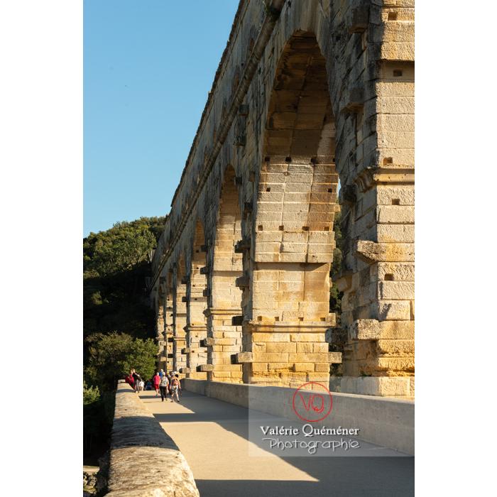 Niveau moyen du pont du Gard (MH) / Occitanie - Réf : VQFR30-0393 (Q3)