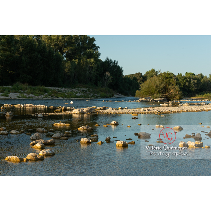 Rivière le Gardon dans la vallée du Gardon / Occitanie - Réf : VQFR30-0404 (Q3)