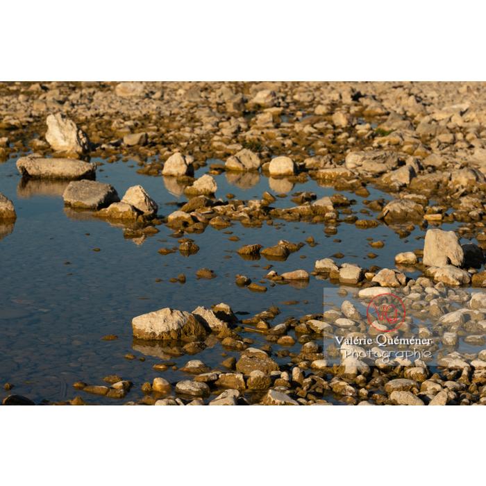 Le Gardon sur le site du pont du Gard (MH) dans la vallée du Gardon / Occitanie - Réf : VQFR30-0405 (Q3)