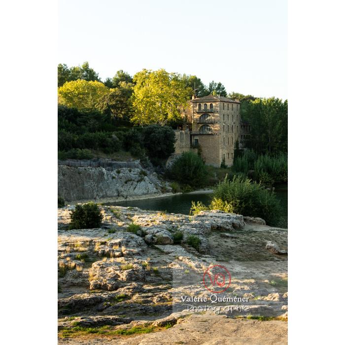 Vallée du Gardon sur le site du pont du Gard (MH )/ Occitanie - Réf : VQFR30-0442 (Q3)
