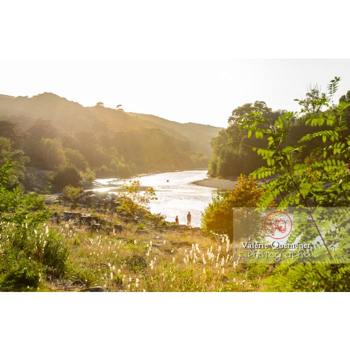 Site du pont du Gard (MH) dans la vallée du Gardon / Occitanie - Réf : VQFR30-0448 (Q3)