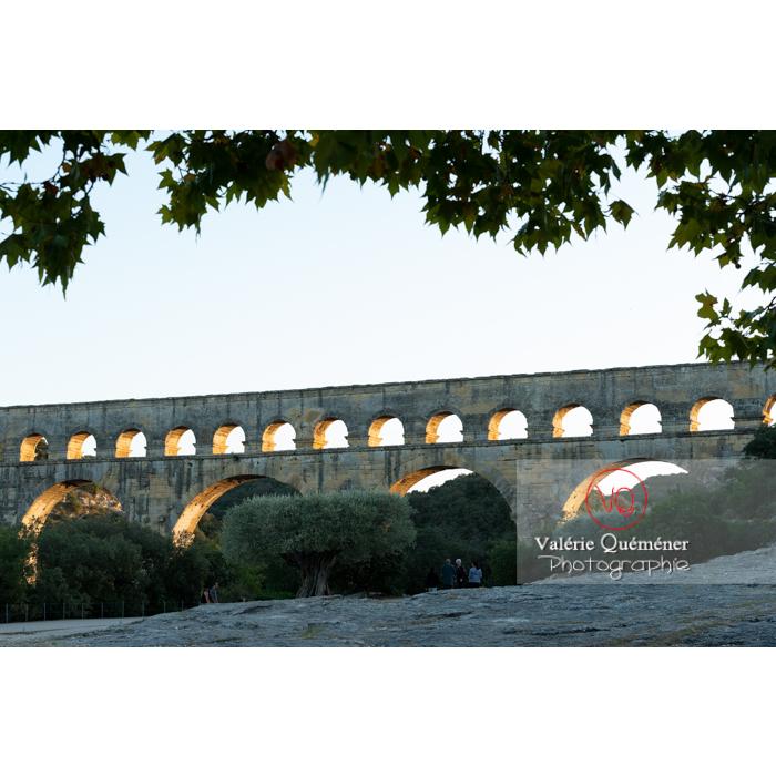 Le pont du Gard (MH) dans la vallée du Gardon / Occitanie - Réf : VQFR30-0484 (Q3)