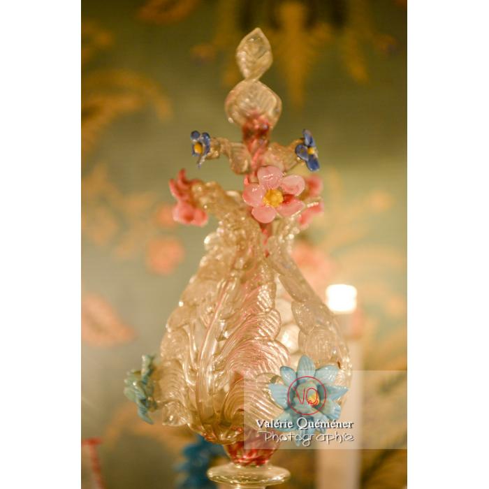 Détail d'un chandelier de Murano dans la maison de George Sand à Nohant-Vic / Indre - Réf : VQFR36-0015 (Q3)