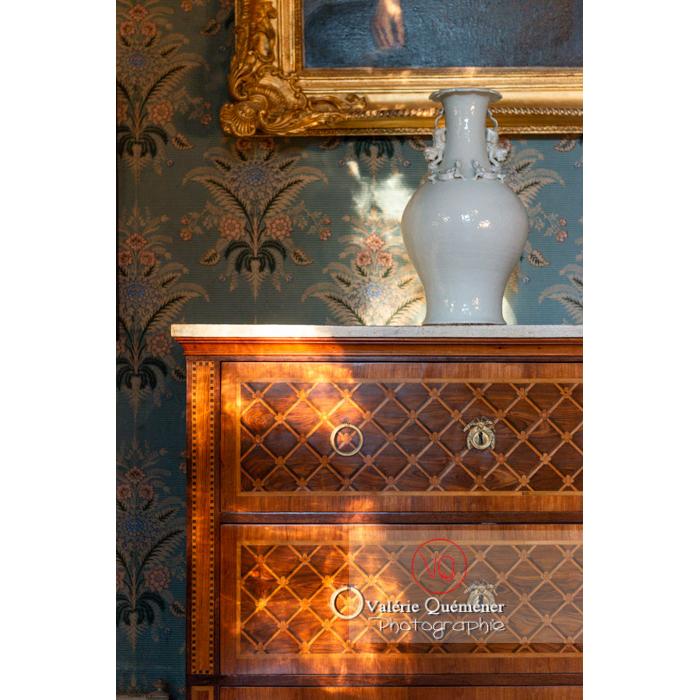 Détail de meuble dans la maison de George Sand à Nohant-Vic / Indre - Réf : VQFR36-0023 (Q3)