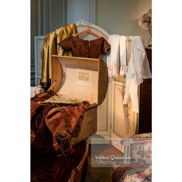 Détail mobilier chambre dans la maison de George Sand à Nohant-Vic / Indre - Réf : VQFR36-0033 (Q3)