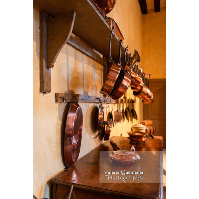 Vaisselle dans la maison de George Sand à Nohant-Vic / Indre - Réf : VQFR36-0042 (Q3)