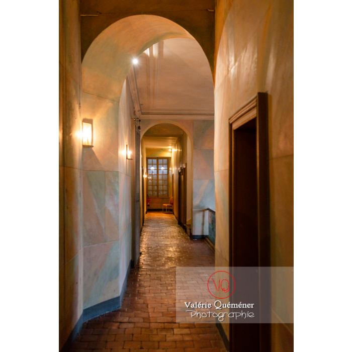 Couloir dans la maison de George Sand à Nohant-Vic / Indre - Réf : VQFR36-0068 (Q3)