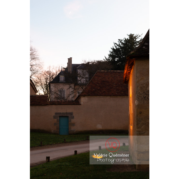 Maison de George Sand le soir à Nohant-Vic / Indre - Réf : VQFR36-0078 (Q3)