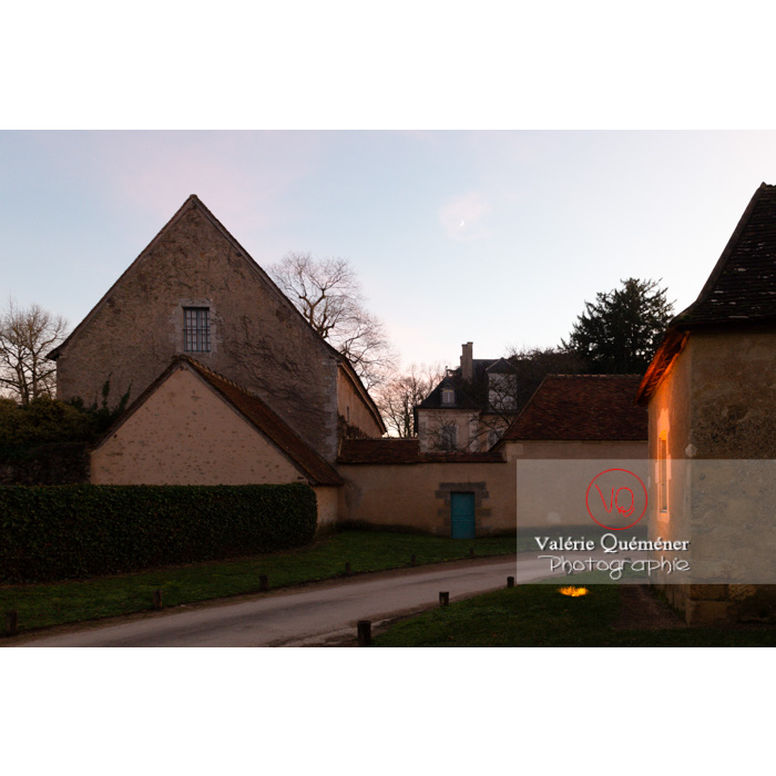 Village de Nohant-Vic et maison de George Sand le soir - Réf : VQFR36-0079 (Q3)