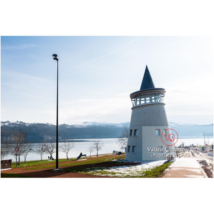 Phare du lac de Villerest en hiver / Loire / Auvergne-Rhône-Alpes - Réf : VQFR42-0041 (Q3)