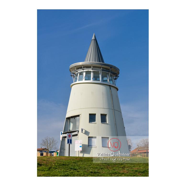 Phare du lac de Villerest en hiver / Loire / Auvergne-Rhône-Alpes - Réf : VQFR42-0045 (Q3)