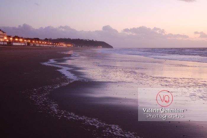Plage à Jullouville / Normandie - Réf : VQFR50-0005 (Q1)