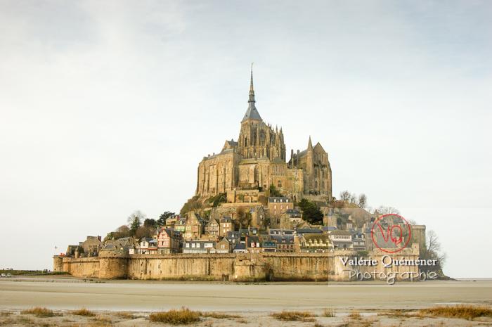 Mont-St-Michel et sa baie à marée basse / Normandie - Réf : VQFR50-0011 (Q1)