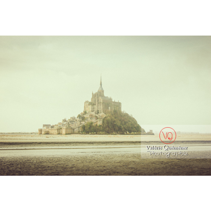 Mont St-Michel et sa baie à marée basse - Réf : VQFR50-0022-TV (Q1)