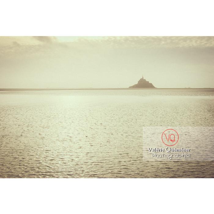 Mont St-Michel et sa baie à marée basse - Réf : VQFR50-0034-TV (Q1)