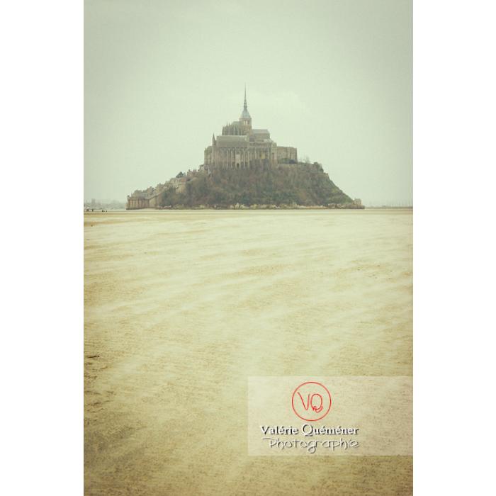 Mont St-Michel et sa baie à marée basse - Réf : VQFR50-0039-TV (Q1)